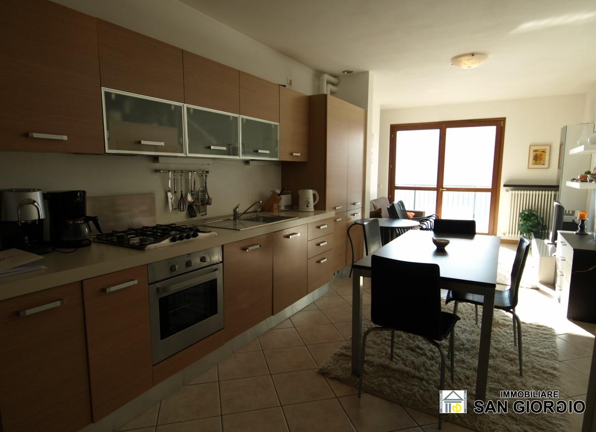 Appartamento in vendita a Perledo, 2 locali, prezzo € 210.000 | PortaleAgenzieImmobiliari.it
