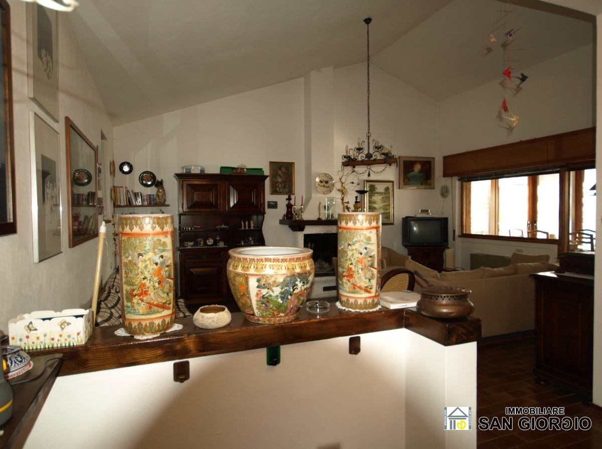 Case A Due Piani vendita ville e case indipendenti esino lario - esino lario