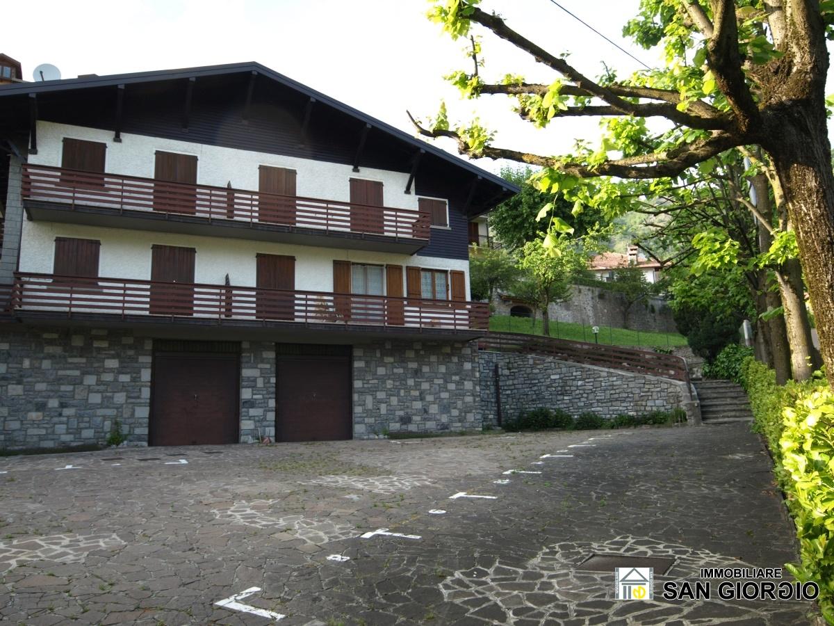 Appartamento in vendita a Esino Lario, 3 locali, prezzo € 90.000   CambioCasa.it