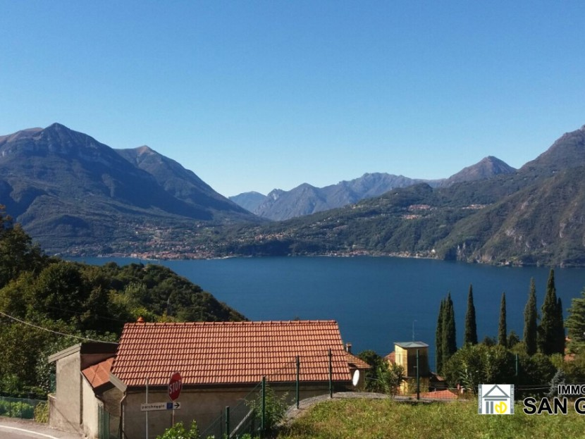 Sale Independent Houses Perledo - Perledo - Regoledo: Lovely lake view surrounded by greenery with land. Locality