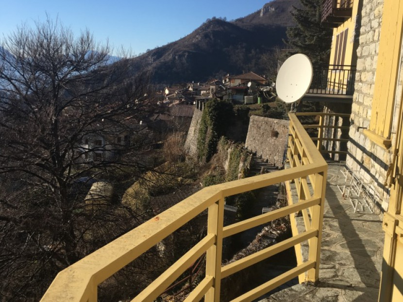 Sale Independent Houses Esino Lario -  Esino Lario for sale detached villa on two levels with a view. Locality