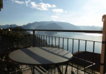 PERLEDO residential area, lake view, for sale apartment with box.